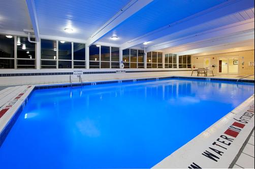 Holiday Inn Express & Suites Pittsburgh West - Greentree - Pittsburgh - Piscina
