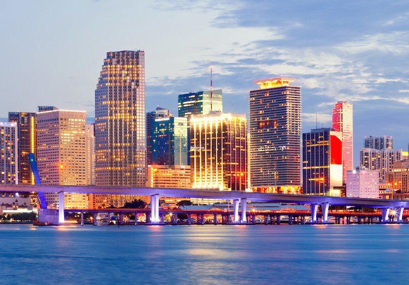 KAYAK sugere os destinos mais baratos para Corpus Christi