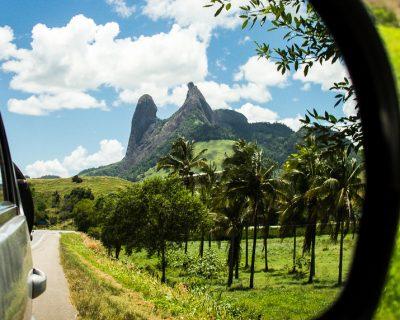 O Monumento Natural Frade e Freira faz parte das paisagens que você vai econtrar na sua road trip pelo Brasil