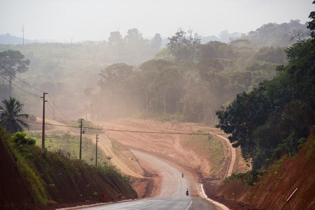 Atravessa a Amazônia nessa estrada e disfrute da viagem