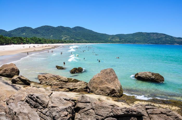 A Praia de Lopes Mendes frequentemente aparece na lista das mais bonitas do Brasil