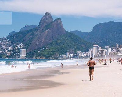 Veja as melhores praias do Rio de Janeiro abaixo. Incluindo esta, a praia de Ipanema