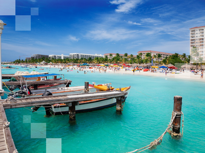 Aruba é repleta de praias de água cristalina e azul turquesa