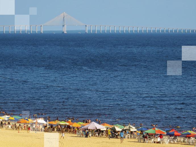 A orla de Ponta Negra é um dos vários pontos onde acontece o Carnaval em Manaus