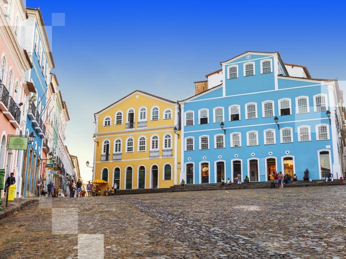 Andar pelo centro histórico do Pelourinho é ter uma aula de história ao ar livre em Salvador