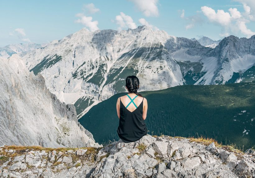 O guia essencial para mulheres que viajam sozinhas