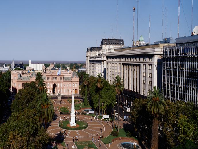 A Plaza de Mayo é uma das inúmeras atrações imperdíveis em Buenos Aires