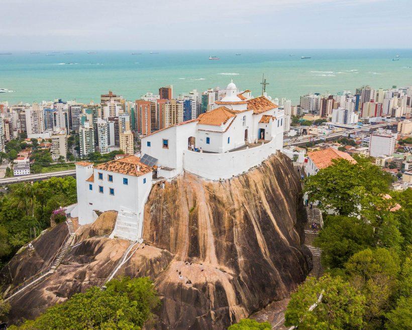 Do Brasil pra casa mais vigiada da TV: conheça as cidades dos brothers