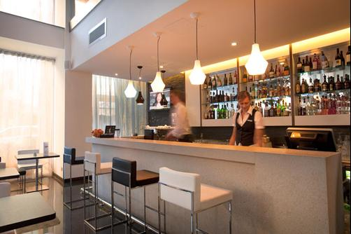 The George Urban Boutique Hotel - St. Julian's - Bar
