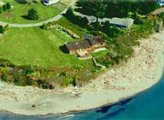 Lowden's Beachfront Bed & Breakfast