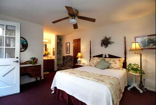 A Beach Bed & Breakfast At The Elsbree House Condo - San Diego - Quarto