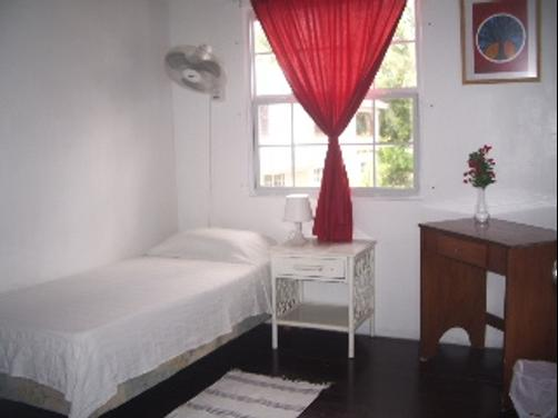 Rio Guest House - St Lawrence Gap - Cama