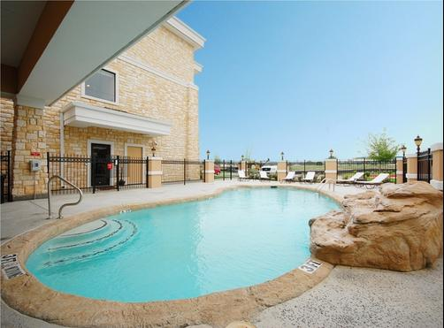 Best Western Plus Christopher Inn & Suites - Forney - Piscina
