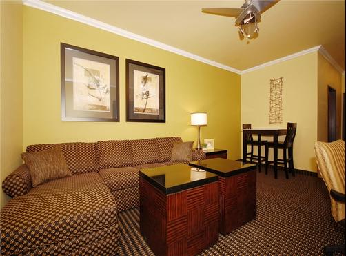 Best Western Plus Christopher Inn & Suites - Forney - Quarto