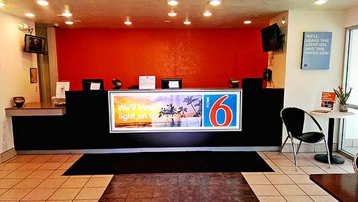 Motel 6 San Diego Hotel Circle Mission Valley - San Diego - Lobby