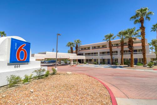 Motel 6 Palm Springs Downtown - Palm Springs - Edifício