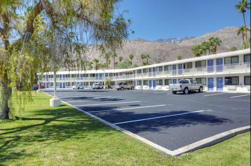 Motel 6 Palm Springs E East Palm Canyon - Palm Springs - Edifício