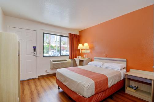 Motel 6 Palm Springs E East Palm Canyon - Palm Springs - Quarto