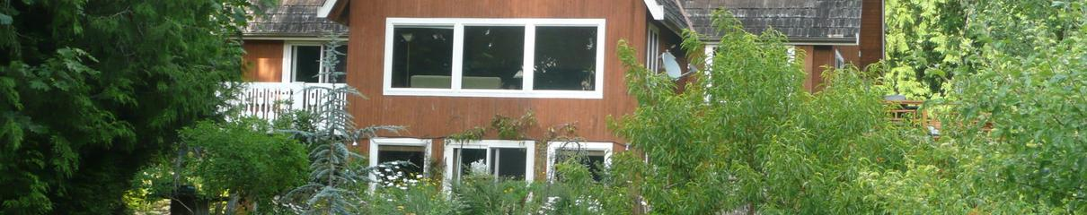 Poulsbo - Green Cat Guest House with orchard and herb gardens close to Seattle Ferries
