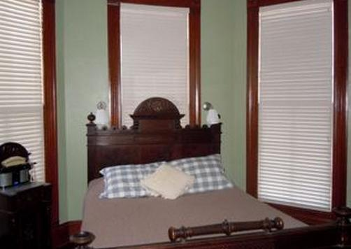 Brava House Bed And Breakfast - Austin - Cama